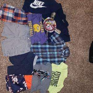 Boys 4t... 6 shirts & 4 shorts